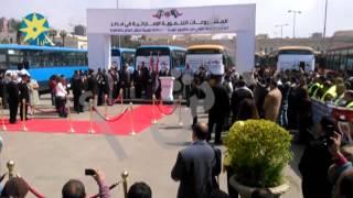 بالفيديو : الامارات تسلم القاهرة ستمائة حافلة نقل عام