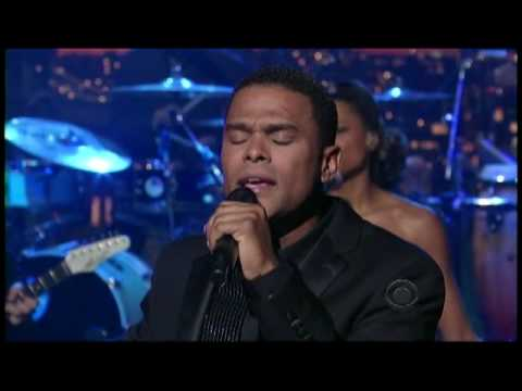 "Maxwell - ""Pretty Wings"" on Letterman 7/10 (TheAudioPerv.com)"