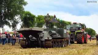 CLAAS XERION 5000 vs. VT-34 Bergepanzer pulling