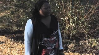 UTOPIA (NL) 2015 - Gabriëlle blijft doodsbang voor koe