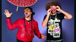Watch Lmfao Smack The Paparazzi video