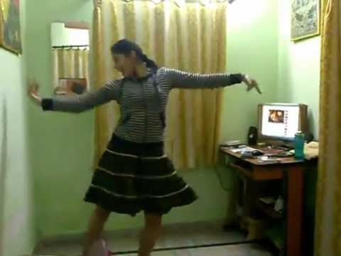 dance on radha radha ( student of the year )by indian desi girl. must watch dance
