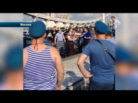 Активисты Лев против спасались от десантников за спинами бойцов ОМОНа