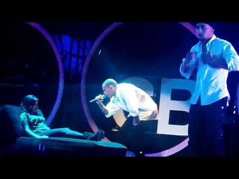 download lagu Chris Brown - Wet The Bed/Take You Down gratis