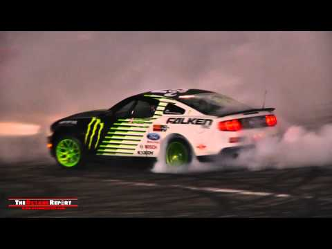 Drift Ford Mustang Donuts & Burnouts