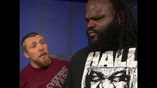 SmackDown: Daniel Bryan attempts to get Mark Henry to take