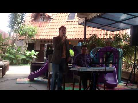 Dian Pramana Putra - Syahadat - Cover By Sakti Ft. Arif Arfaz On Keyboard.mp4 video