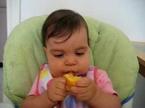 Dona Gordinha Comendo Sua Laranjinha!! 8 Meses video