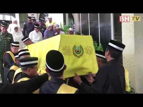 Orang ramai sertai solat jenazah Almarhum Sultan Kedah