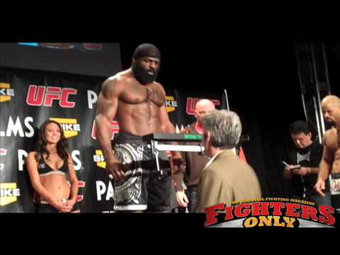 Kimbo and Houston Face Off and Weigh In Image 1