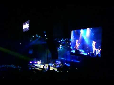 Unisonic (Kiske&Hansen) - Intro&Cross the Line - Live Loud Park Festival in Japan 15.10.2011.mpg