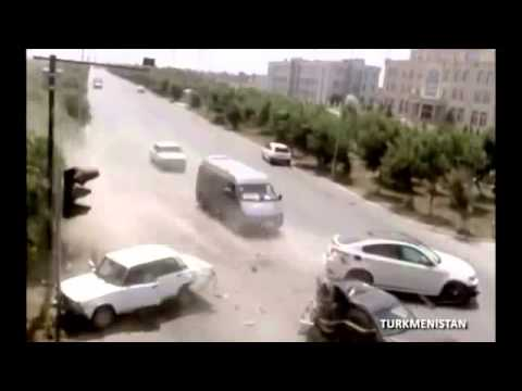 2013: WORLDWIDE Worst Car Crashes Caught on video!!!