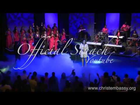 Sinach -the Presence Of The Lord video