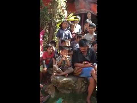 Prosesi Mangimbo, Tominaa oleh Ba'tan asal Toyasa riu (Toraja)