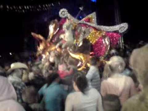 Carnaval 2010 en Charo , Michoacan - Toritos de Petate
