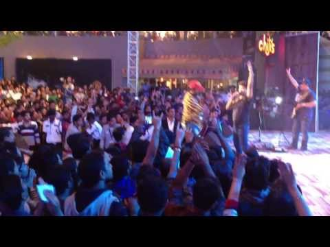 K K- Its the time to disco (Live in concert at Phoenix Marketcity...