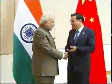PM Modi meets the Premier of People's Republic of China, Li Keqiang, in Nay Pyi Taw, Myanmar
