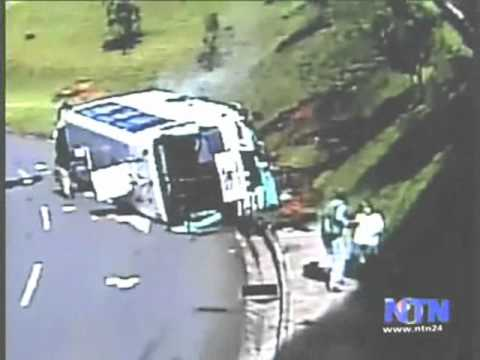 Brake fail - Bus accident in Colombia.