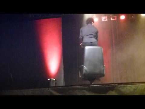 Florent Peyre – Délire chaise qui tourne (loi de Newton) – Draguignan
