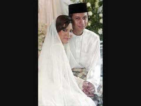 Selebriti Kahwin Basah???