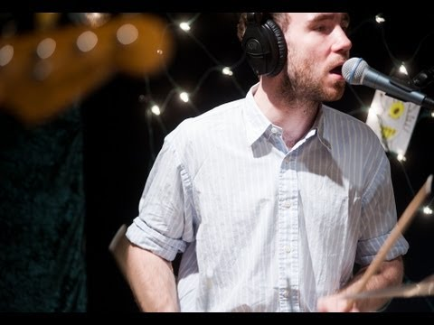 Veronica Falls - My Heart Beats (Live on KEXP)