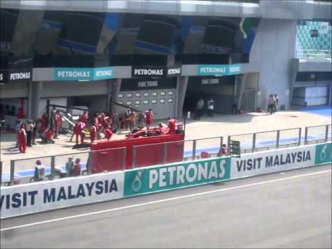 GP F1 Malaisie 2014 - Sepang - Tribune au centre du circuit