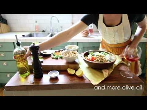 Vintage Mixer Recipe: How to Make a Kale Salad using a Seasoned Wood Bowl