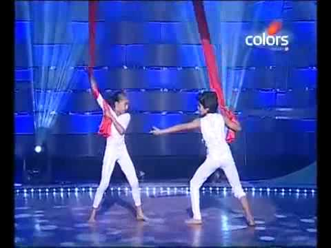 Chak Dhoom Dhoom 10 July 2010 - Sparsh & Gauri - ye Hasin waadiyan...