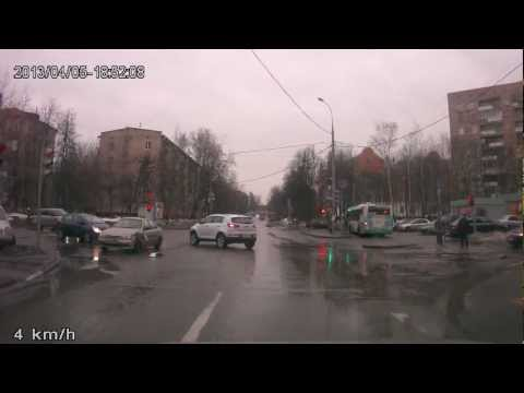 ДТП 05.04.13 Партизанская-Ак.Павлова — спешил, не пропустил