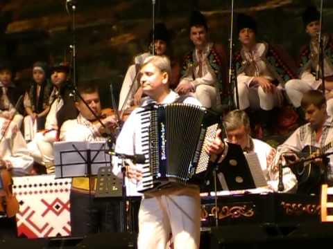 orch.de muz.pop.Busuioc Moldovenesc cond. M.Amihalachioaaie  9.11.11 Palatul National