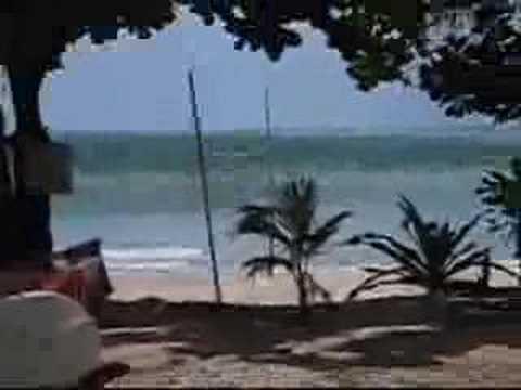 GIANT Tsunami is hitting the beach! Best Tsunami-video ever!