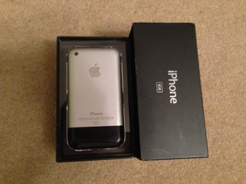 Unboxing: iPhone 1st Generation 8GB