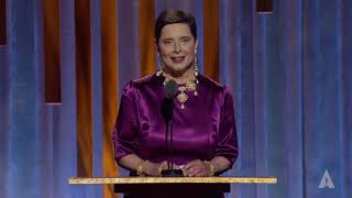 Isabella Rossellini honors David Lynch at the 2019 Governors Awards