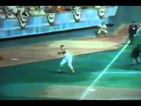 Baltimore Orioles Brooks Robinson Amazing Plays In World Series!