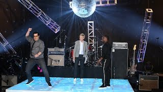 Kevin Hart and Josh Gad Dance Off