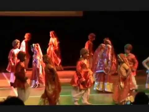 Rangeelo maro dholna - Kids dance performance