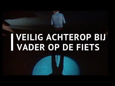 Paul van Vliet - Veilig achterop bij vader op de fiets