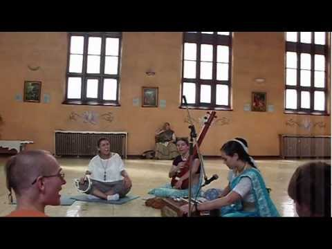 Beautiful Maha Mantra Kirtan  Sri Sri Radha Manohara Temple (iskcon Montreal) video
