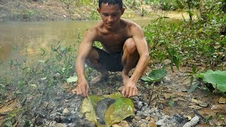 Primitive Technology : Net fish in river cooking food - Life In Forest | Amazing Day