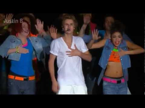 Justin Bieber - Somebody To Love (Concert Mexico Live)