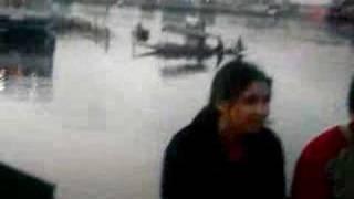 kashmiri girl act on dal lake srinagar