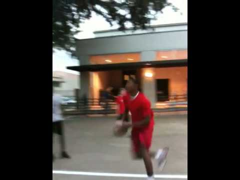 13 year old Justise Winslow dunks on 10 feet Video