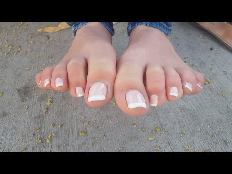 Sexy french tip toes