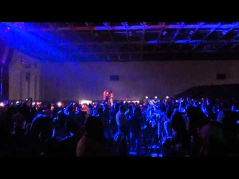 ARASH Broken Angel (Live  Dubai March 25 2011)