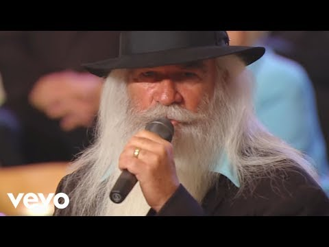 The Oak Ridge Boys - Lead Me to That Rock [Live]