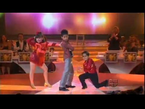 HIROSHI cantando