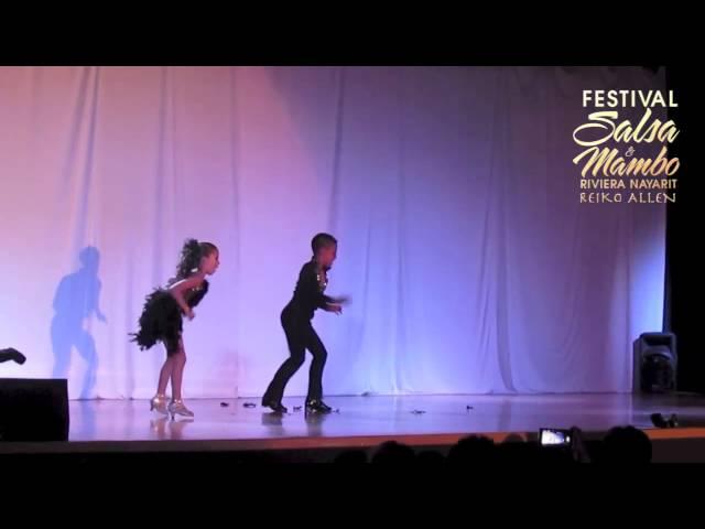Israel & Kimberly - Riviera Nayarit Salsa & Mambo Festival 2013
