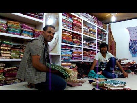 Tour of a pashmina shawl factory in Srinigar, Kashmir, India
