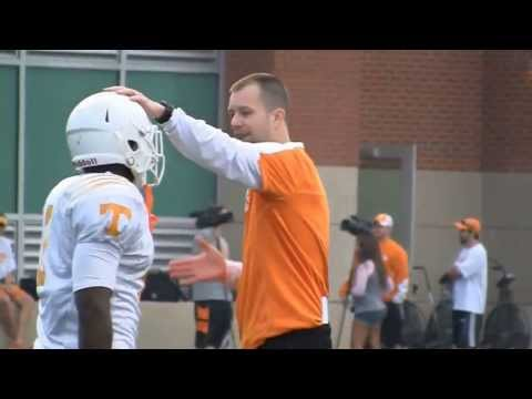 Tennessee football practice on April 9, 2013