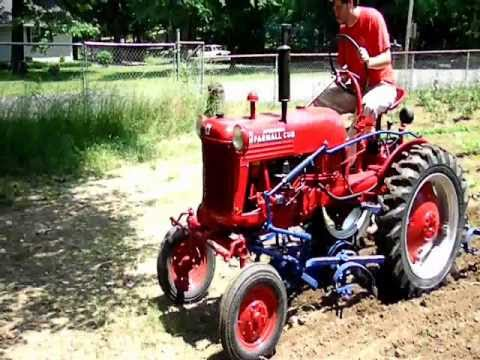1949 Farmall Cub Cultivating Garden - READ DESCRIPTION